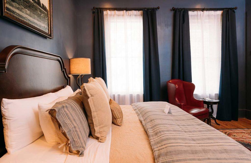 Erastus Red Suite
